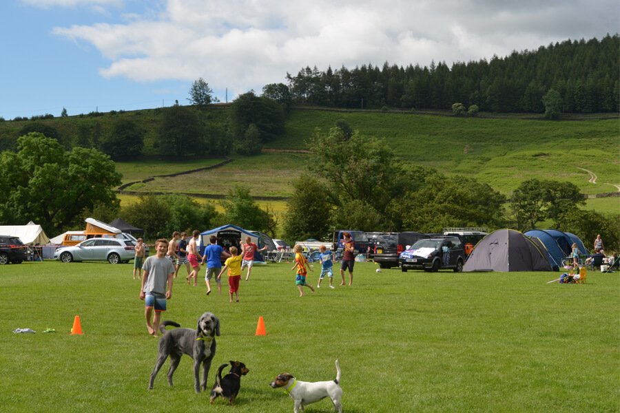 Camping Bolton Abbey River Field Football